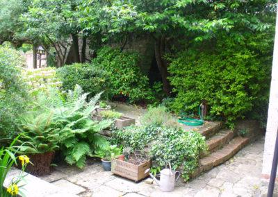 02 Courtyard-Garden Before 2