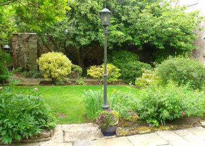 03 Courtyard-Garden Before 3